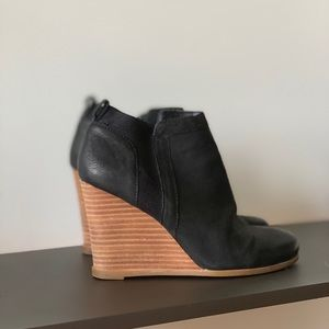 Carly Black booties